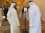 الإمارات توظف (الروبوت) لإنهاء معاملات المراجعين