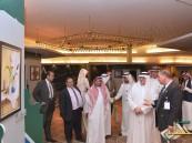 لقاء مدير جامعة الملك فيصل بالطلاب المشاركين بالمؤتمر العلمي الخامس