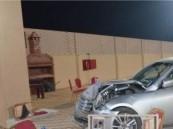 طفلة تقود سيارة داخل استراحة بصبيا وتدهس 6 نساء