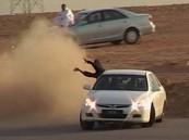 """مفحط """"بقدم واحدة"""" يثير دهشة القوات الأمنية في الرياض"""