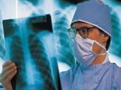 إيقاف التجديد للأطباء والممارسين الصحيين لحين توثيق مؤهلاتهم