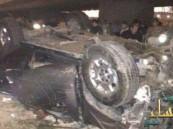 سقوط سيارة من فوق جسر بالرياض ووفاة امرأة