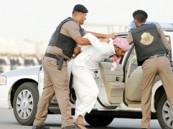 """القبض على """"٥"""" شبان متورطين في «30» سرقه بالأحساء"""