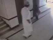 القبض على الشاب المتحرش بالطفلة في المصعد