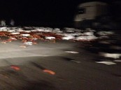 """حادث مروري يغرق طريق الدمام – الرياض  """"بالطماطم """""""