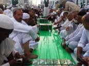 """المسجد الحرام يشهد أطول """"سفرة إفطار"""" بطول أربعة كيلو مترات"""
