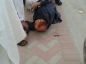بالصور .. إصابة مواطن في رأسه نتيجة حادث دهس صباح اليوم بالهفوف