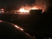 """بالصور .. حريق يحاصر """"حراج"""" الأحساء والأهالي يطالبون بالإزالة"""