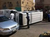 بالصور .. انقلاب باص في منصورة الأحساء يصيب عشريني وطفلة