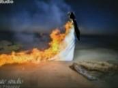 بالفيديو .. عريس يشعل النار في عروسه نهاية حفل الزفاف