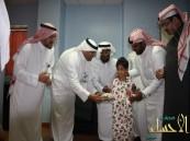 """فريق """"همتي لاسعادهم"""" التطوعي يزورون مرضى ولادة واطفال الدمام"""