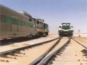 إرتطام قطار بضائع متجه من الرياض الى الشرقية بشاحنة دون إصابات .