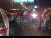 إصابات بعضهم حرجة : وفاة وإصابة ثلاثة أشخاص في حادث مروري بين ثلاث سيارات بطريق الظهران بالأحساء .