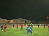لاعبي الفريق الأول بنادي الفتح يشاركون في التمارين ويركزون على الجانب اللياقي بحضور رئيس النادي والمدرب