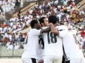 إدارة نادي هجر تصرف للاعبين مكافاة الفوز على العدالة .