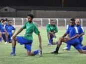 بعثة الفريق الأول لكرة القدم بنادي الفتح تغادر الي الرياض .