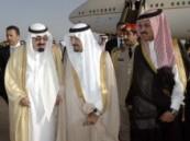 ضمن جولة تستمر 3 أسابيع … خادم الحرمين يصل المغرب والأمير سلطان في مقدمة مستقبليه بمطار أغادير