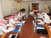 اللجنة السياحية بغرفة الشرقية  تناقش مواعيد صيانة الشوارع وتنظيم حركة السير .