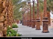 شواطئ الشرقية ومنتزهاتها تشهد اقبالا كبيرا من الزوار في عيد الفطر المبارك  .