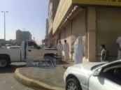 عدسة ( الأحساء نيوز ) ترصد حادث تصادم بين سيارتين في الهفوف يؤدي إلى اقتحام صيدلية .