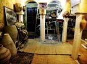"""يضم الكثير من القاعات ومئات القطع الأثرية … ( الأحساء نيوز ) تتجول في زوايا متحف """" إبراهيم  الذرمان """"  ."""