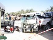 إصابات بليغة لستة أشخاص في حادث تصادم بين سيارتين على طريق زراعي بمدينة الهفوف  .