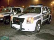 دوريات الأمن بالأحساء تعثر على الطفل المخطوف داخل سيارة والده المسروقة من أمام أحد المطاعم .