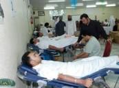 195 متبرع بالدم في حملة لجنة التنمية بالشعبة .