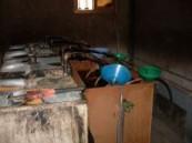 القبض على أسيويين في قضية تصنيع وترويج الخمور في احدى المزارع بمحافظة الأحساء .