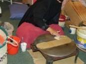 أنامل نساء الأحساء ترسم الإبداع في مهرجان التمور .