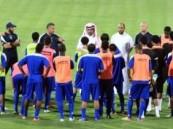 الفريق الأول لكرة القدم بنادي الفتح يواصل تدريباته .