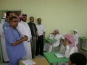 العبداللطيف يزور مدارس الأحساء ويطلع على الاستعدادات الوقائية  .