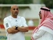 بشير عبدالصمد يستقيل من تدريب الوحدة قبل لقاء الأهلي