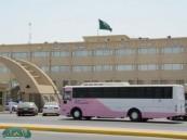 إدارة التجهيزات المدرسية توزع ( 3000 ) مقعد و ( 80 ) آلة تصوير على مدارس الأحساء