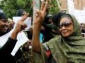 جلد امرأتين سودانيتين بسبب مناصرتهن الصحافية لبنى الحسيني