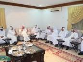 """العضو الشرفي للجمعية الوطنية للمتقاعدين """" الصويغ """" يقيم حفل عشاء لمديرها العام بالمملكة ."""