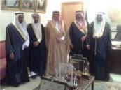 اللجنة السداسية للأعراس الجماعية بالأحساء تزور وكيل المحافظة .