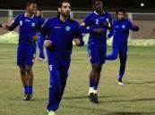 الفريق الأول لكرة القدم بنادي الفتح يواصل تدريباته.