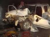 شاحنة تفرق شمل أسرة وتقتل ثلاته من أفرادها .
