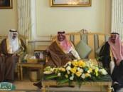 الأمير سعود بن نايف يزور أعيان وأسر الأحساء في مجالسهم .