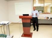 د. المعيدي يستعرض أكثر الإصابات شيوعاً في الملاعب العالمية بجامعة الدمام