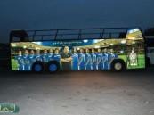 على غرار الأندية الأوروبية النموذجي في الحافلة المكشوفة