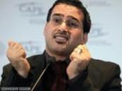 صحفي عراقي يرشق منتظر الزيدي بحذاء