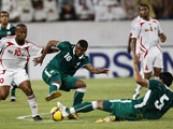 الأخضر يحشد أسلحته الهجومية لدكّ الحصون الإماراتية