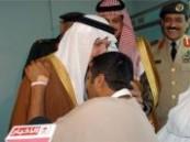 بعد يوم من وصوله : الأمير سلطان بن عبدالعزيز يزور الجنود المصابين أثناء القيام بالواجب جنوب البلاد