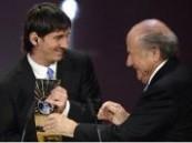 الارجنتيني ميسي يتوج بجائزة افضل لاعب لعام 2009
