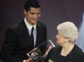 رونالدو يحصل على جائزة أجمل هدف