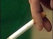 تغريم سعودي 500 دولار لإلقائه سيجارة في الطريق بسنغافورة .