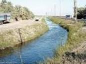 بدأ اعمال تغطية قنوات الري بمدينة العمران لفك الاختناقات المرورية .