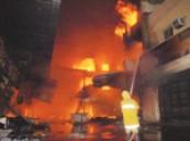 """بإحدى الشقق المفروشة بجدة …امرأة تنقذ أطفالها من الحريق بإنزالهم بـ """"الشراشف"""" من النافذة"""